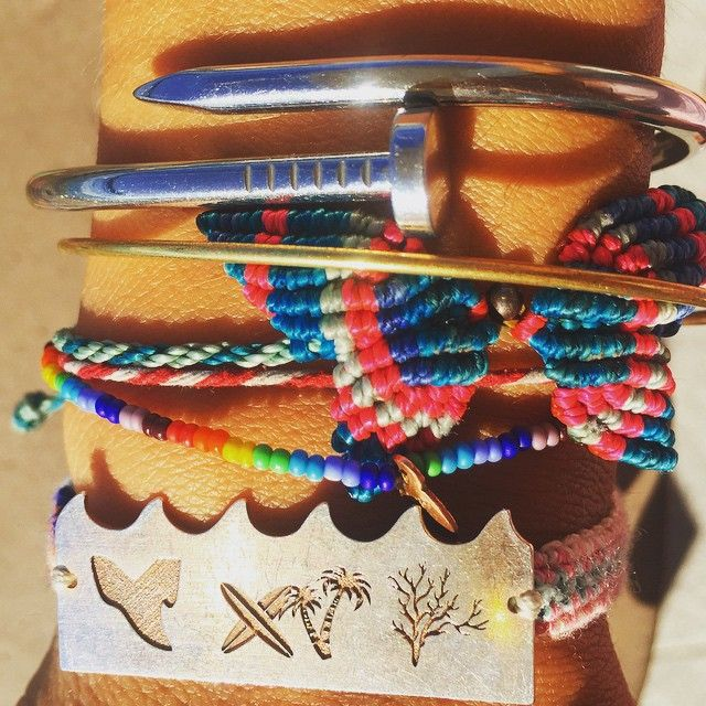 #armparty #friday! wear your #surf #weekend ahead!  #beachbound #waves #bracelet #tag  Available www.vandazzz.com