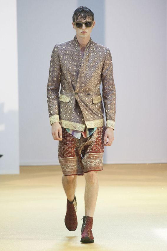 MMU S/S 2015 - Tom Rebl See all fashion show at: http://www.bookmoda.com/?p=18125 #summer #SS #catwalk #fashionshow #menswear #man #fashion #style #look #collection #milan #fashionweek #tomrebl