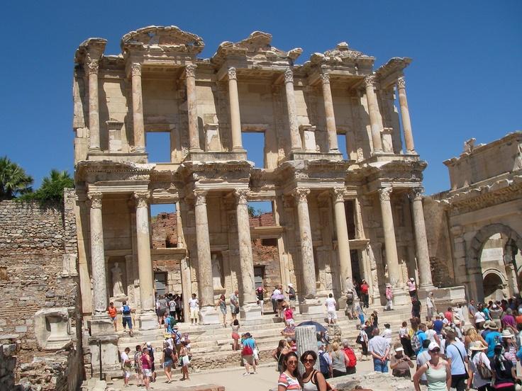 Vicol Georgeta-Mirela - Biblioteca lui Celsus din orasul antic Efes, Turcia