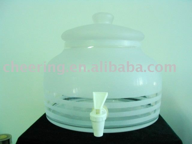 Small glass water dispenser