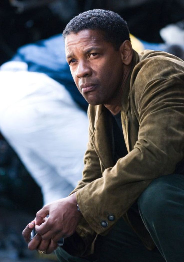Denzel Washington: My favorite actor. i love it when he pulls his mouth like this.... serious face.