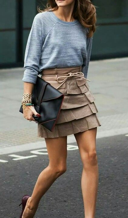Ruffled light brown Skirt with grey sweater
