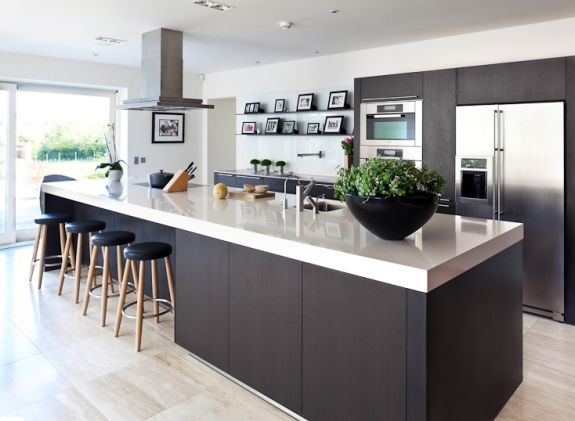 love the style of this kitchen, plenty of space to work on, its sociable, open