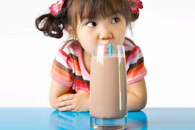 The healthy after-school snack attack can be a struggle to keep in check; it's about avoiding the sweet stuff and keeping it small enough that they don't fill up before dinner.