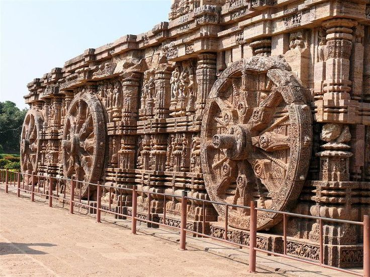 Whether one is a religious person or not, Puri is certainly a good holiday destination for all. Mostly known for its religious significance, the city is primarily seen as a pilgrim destination.