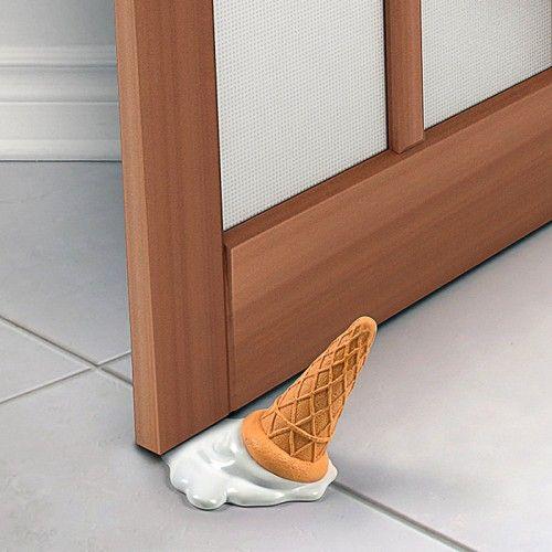 Ice cream splat door stopper on yellow octopus - Topes para puertas originales ...