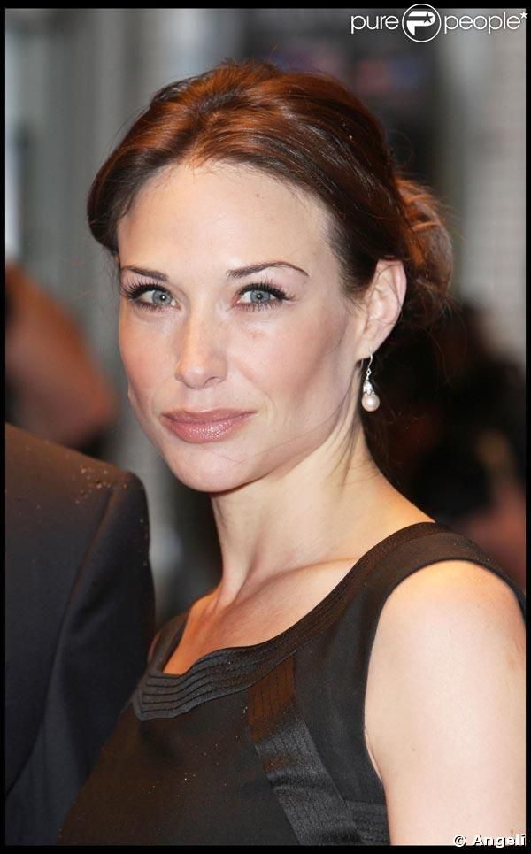 Actress Claire Forlani