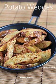 [Air-fryer Recipe] Potato wedges   Ingredients:  350gm potato  1 tbsp cooking oil  dashes of paprika    Steps:  1. Scrub the potatoes clean and cut it into wedges. Soak the potato wedges in water for at least 30 minutes. Drain and pat dry with kitchen paper. Coat them with oil in a bowl. Sprinkle with paprika powder.  2. Cook in preheat airfryer for 15 minutes under 180 deg C.