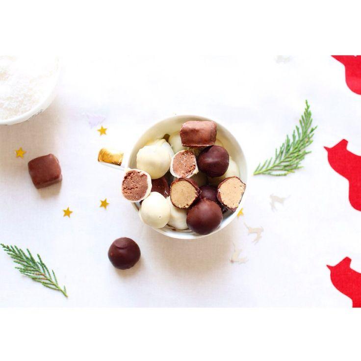 Chocolats de Noël interchangeables au praliné coco. http://www.royalchill.com/2015/11/26/chocolats-de-noel-interchangeables-au-praline-coco/ #recette #chocolat #coco