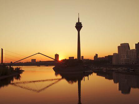 Düsseldorf ist Top-Standort für ausländische Direktinvestitionen - http://k.ht/2X2