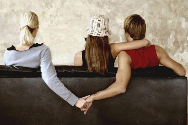 Amare due persone contemporaneamente è possibile? Il parere della psicologa.  #Psicologia