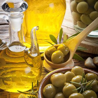 Consuming a Mediterranean diet that is rich in extra virgin olive oil may be an effective way to protect people at high-risk for heart disease against diabetes.