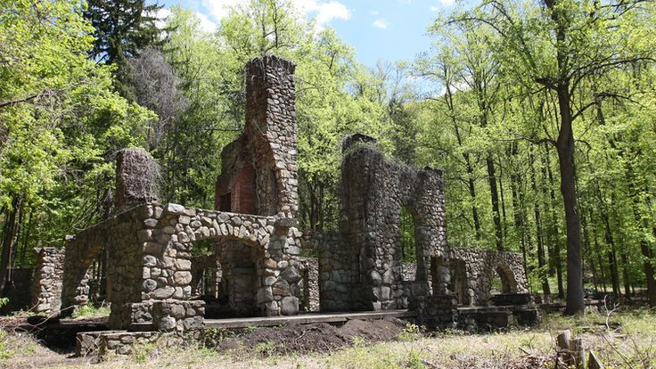 (Near NYC) Cold Spring, NY (70 mins by Metro-North): Hiking Area, 360 Amazing View, Beach Area,
