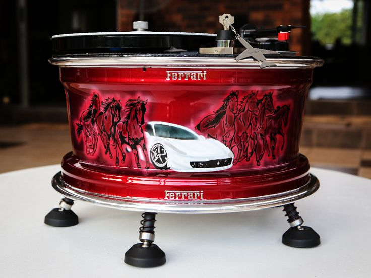 Custom Turntable Ferrari Beechcraft - Concept by Vinyl Revival, painted by PAZ.