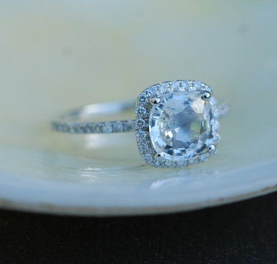 Bague de fiançailles saphir blanc. Bague saphir de taille coussin. Coussin carré 14k or blanc diamant 1,45 ct saphir anneau par Eidelprecious.