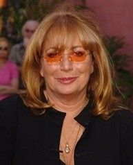 LezGossip: Penny Marshall To Come Out As Lesbian -  http://www.lezbelib.com/life-sex-relationships/lezgossip-penny-marshall-to-come-out-as-lesbian #pennymarshall #comingout #lesbian