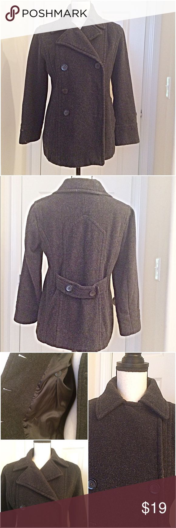 """""""SONOMA"""" Ladies Jacket size Small Dusky Black This Sonoma double breasted ladies short coat is fantastic for the fall/winter weather. Double breasted fully lined with 100% polyester & 80% Wool. Nice deep pockets to hold gloves, tissues or something else. It's outgrown for us & has general wear but has a lot of life still in it. Looks awesome on. Very feminine. Hangs about hip length. Missing two buttons   Length from back of neck to bottom: 29"""" Waist laying flat: 19"""" Sleeve ( underarm to…"""