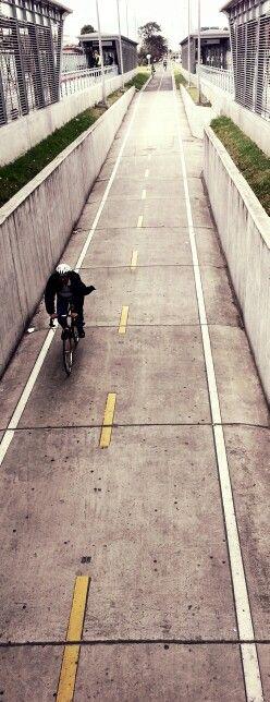 Rapido por la ciclo ruta de la 26