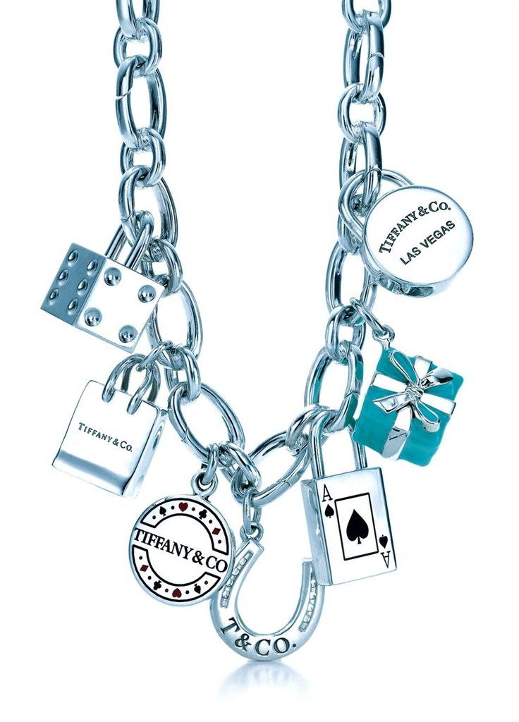 This looks like my bracelet, however, mine isn't as clean. ;-0 Love that blue box!