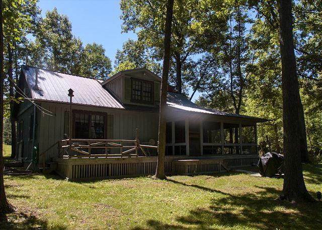 Whispering pines cabin seneca lake vacation rentals for Seneca lake ny cabins
