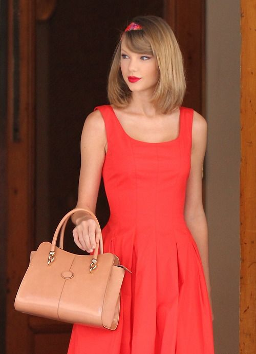 Taylor Swift's clothes