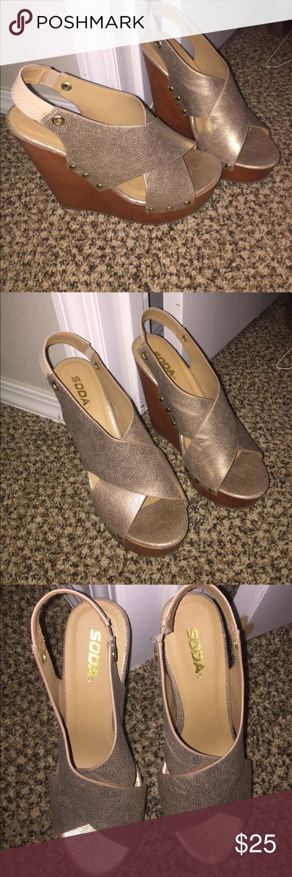 Size 8 1/2 Gold Wedge Heels Never worn gold wedges. *great condition* Brand: Soda Size: 8 1/2 Soda Shoes Wedges