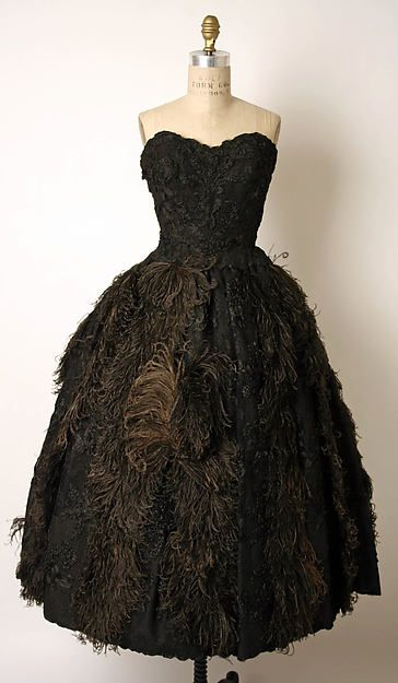 Lovely evening dress by James Galanos (American, born Philadelphia,Pennsylvania,1924). Ca. 1960 , at the Mets Museum.