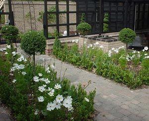 99 best Courtyard garden images on Pinterest Outdoor gardens