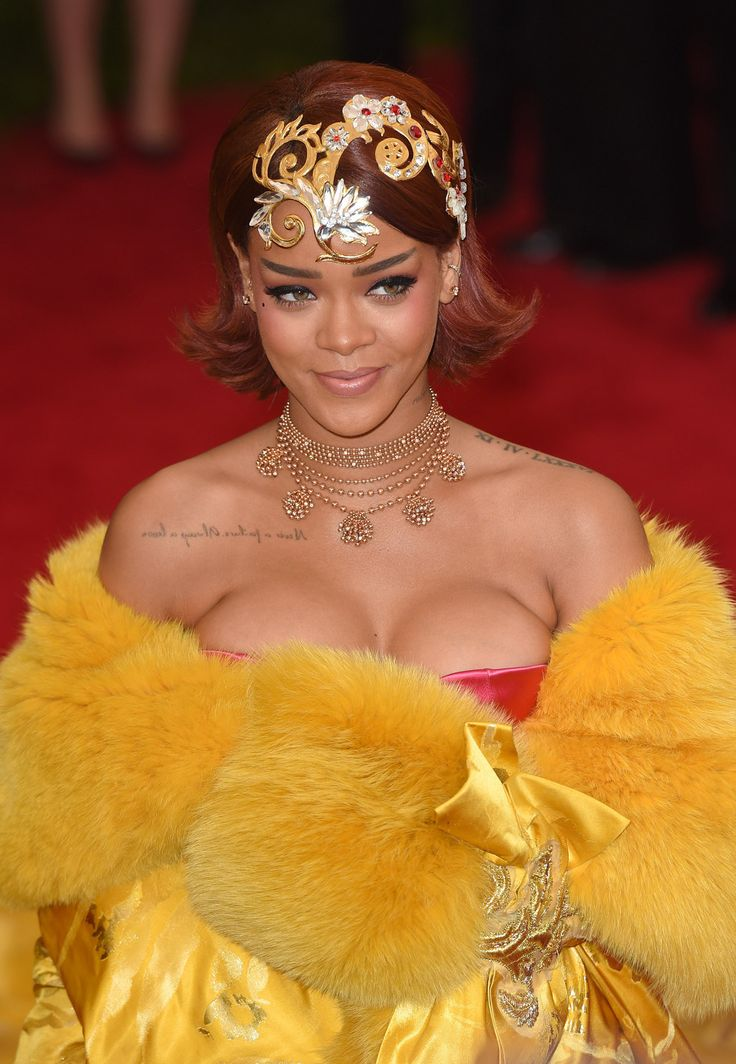 19 Stunning Photos Of Rihanna At The Met Ball