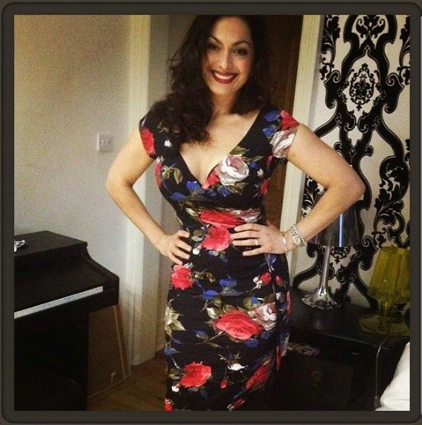Gorgeous chef Tonia Buxton wearing the Hourglass Limited Edition 'Dolce' Vintage Print Hourglass Pencil Dress http://bit.ly/IUe7Nw £89