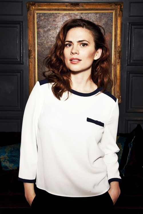 "(FC: Hayley Atwell) ""I am Lila Carter. Peggy Carters granddaughter. I am dating Steve Rogers. Umm well I am in the Ø AND E branch. I'm an inhuman. I focus on friends and work."""
