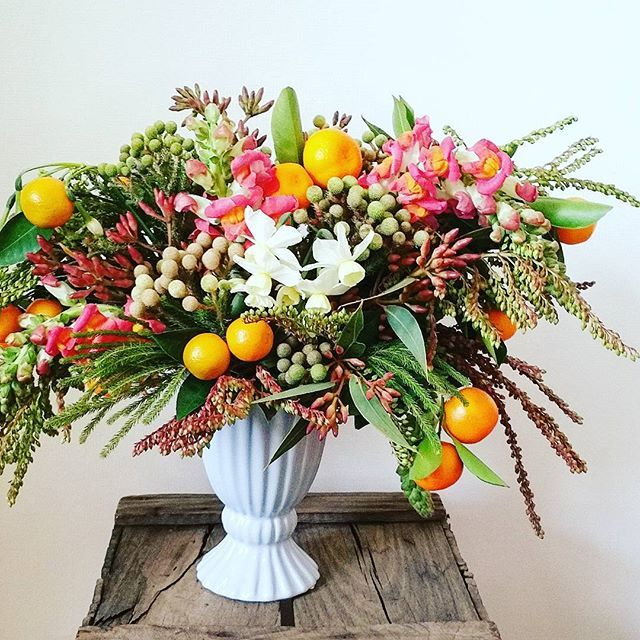 Another food-inspired arrangement... this one's for the citrus lovers out there