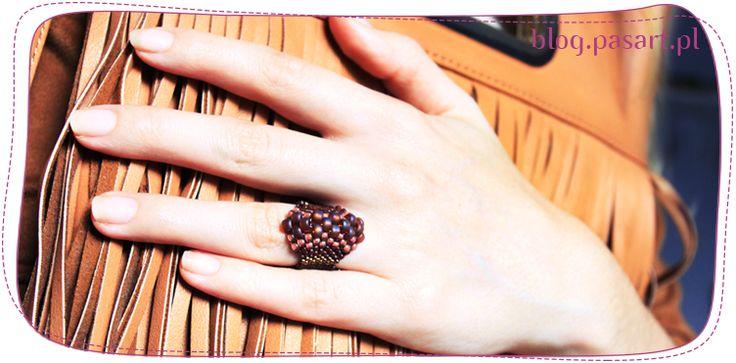 Jak zrobić pierścionek z koralików? Ścieg parzysty peyote – kurs tworzenia biżuterii