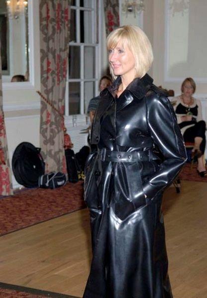Black Rubber Raincoat  Sbrmackintoshes  Pinterest -6701