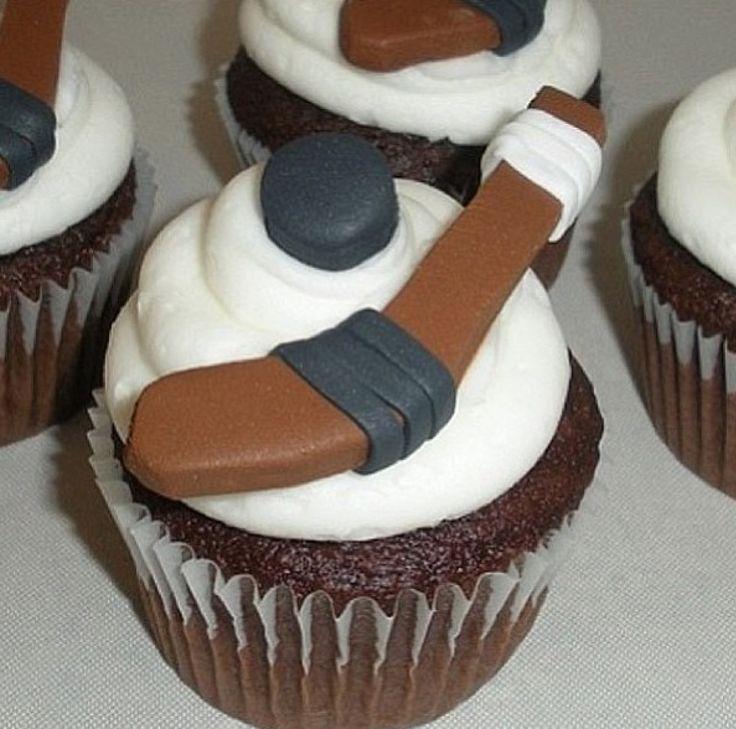 Cupcake Decorating Ideas Hockey : 17 Best images about Hockey cake ideas on Pinterest Pull ...