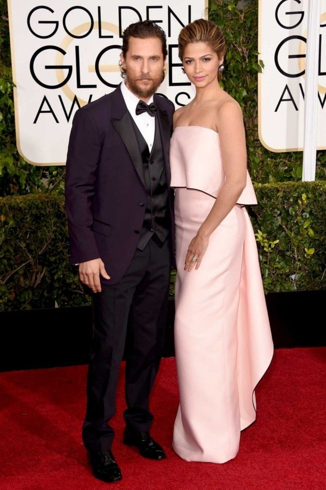 Golden Globes 2015: what they're wearing: Matthew McConaughey and Camila Alves in Monique Lhuillier