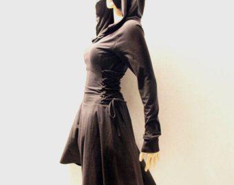 Detalis: -Jersey stretch katoen gebreide stof -A-lijn rok -Oversized hoodie -Zeer lange mouwen -Vetersluiting aan de achterkant (strak of los van de jurk) -Glijdt op -95% katoen, 5% Span (lichtgewicht) -Machinewas, hand droog, geen strijken nodig MAAT XS (Amerikaanse S 0-2, 6-8 UK, Italiaans 36-38, van Frans 32-34) Bust: past buste rond 32-33 Taille: past taille rond 24-25 Heupen: past heupen rond 35-36 MAAT S (Amerikaanse S 4-6, UK 10-12, Italiaans 40-42, Franse 36-38) Bust: past buste...