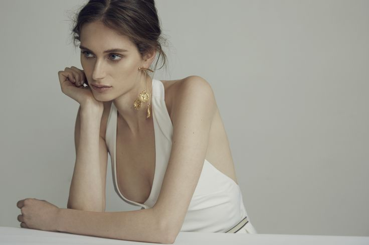 ANNA QUAN x Alighieri Jewellery - Extended Fortuna Earring  Single statement earring | 24k gold plated
