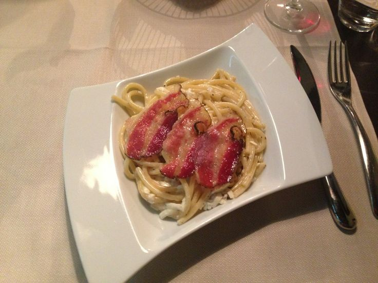 Nerino 10 Milano - thick round spaghetti with Roman cheese and pepper with a baked wild bore cheek - Bucatini al cacio e pepe con guanciale - Absolutely phenomenal!