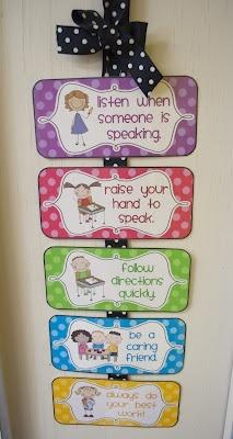 Kindergarten: Classroom Management {Freebies}