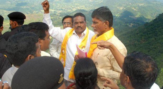 Bauxite war between Chandrababu and opposition parties  http://apnewscorner.com/bauxite-war-between-chandrababu-and-opposition-parties/