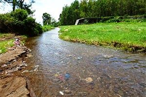 Jual Tiket Pesawat: Air Terjun Coban Talun Malang Indonesia  Coban Talun adalah sebuah air terjun yang terdapat di desa Tulungrejo. Kecamatan Bumiaji, Kota Batu, Malang. Untuk dapat mencapai lokasi wisata ini wisatawan harus menempuh perjalanan sejauh kurang lebih 15 km atau 1,5 jam dari pusat kota Malang.