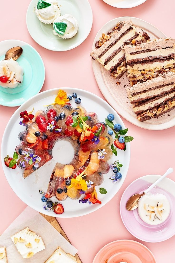 EASY No Bake desserts and recipes for summer treats. From peanut butter icebox cake to a spectacular Champagne jelly, these no bake desserts grow up for those who love sweet pleasures. They're quick to make and impressive to serve - perfect for potlucks, bbqs, and summer gatherings.