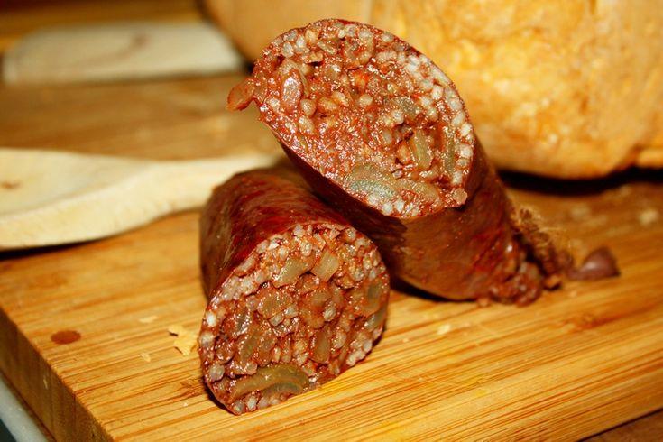 Morcilla to tradycyjna hiszpańska kaszanka , pyszna i bardzo prosta do zrobienia . Naprawdę polecam ten smak