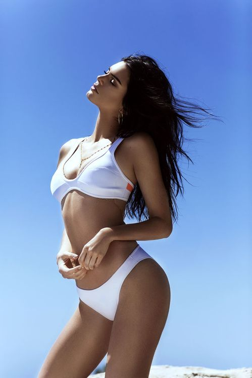 La collection de swimwear Kendall+ Kylie pour Topshop