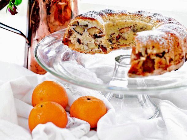 Polish Hanukkah Apple Cake...  This looks really good!