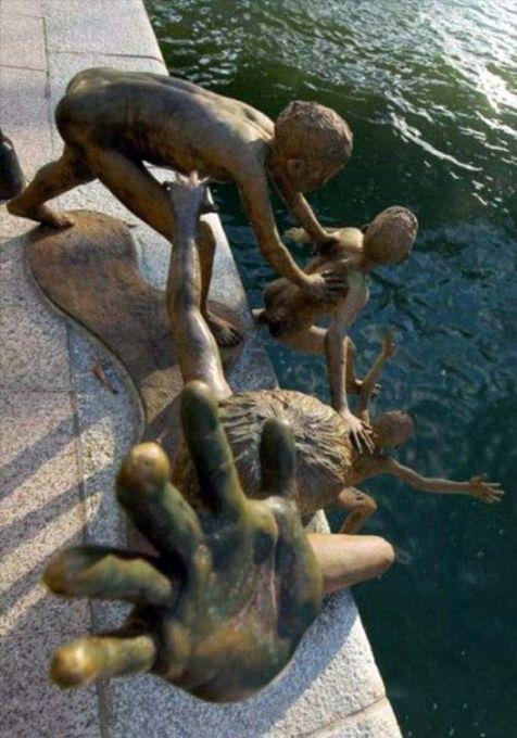 Strange Statues From Around the World 40