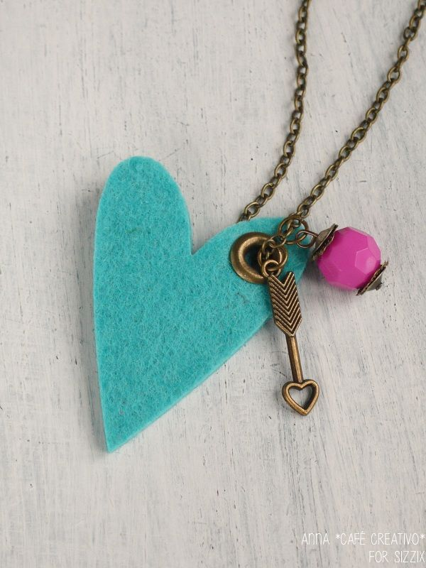 paper-felt-heart-pendant-necklace-dies-sizzix-big-shot-by-cafecreativo