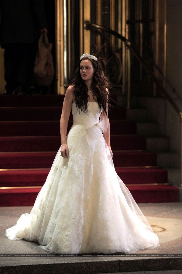 """Blaire Waldorf (Leighton Meester) wearing Vera Wang (modified LUXE """"Esther"""" gown) on the TV show, 'Gossip Girl - Season 5'"""