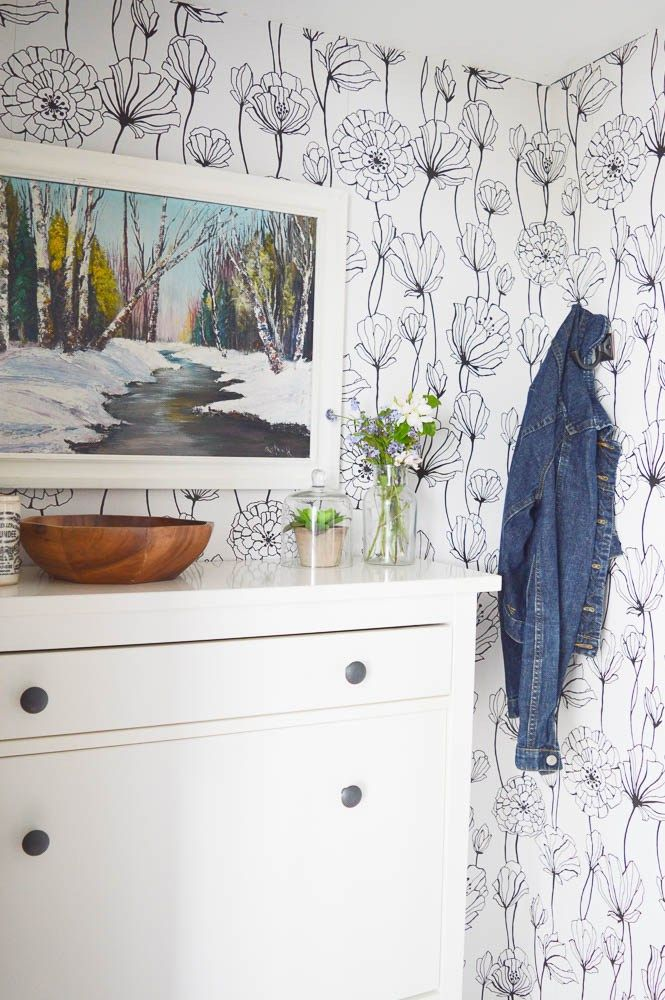 Making the Most of a Tiny Front Entry {Room by Room Summer Showcase Week One} - DIY Passion